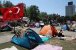 В прилегающем к площади Таксим парке Гези
