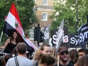 Великобритания вынуждена отложить начало военной операции в Сирии