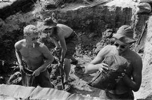 солдат используют как рабсилу
