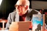 Турецкий писатель награжден армянской медалью