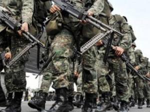 сбежали двое вооруженных солдат