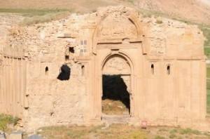 Армянская церковь в Ване