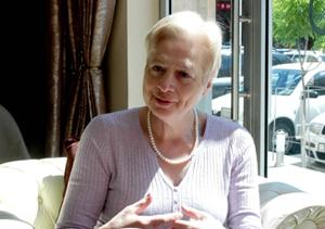 Элени Теохарус