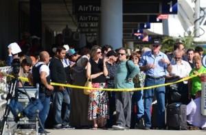 стрельба в аэропорту Лос-Анджелеса