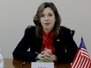 Эвелин Фаркас