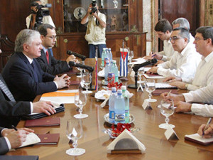 Главы МИД Армении и Кубы