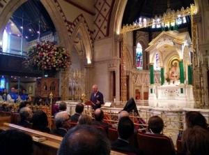Чарльз в армянской церкви