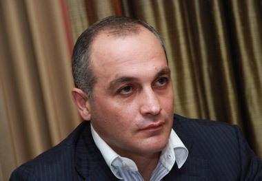 Депутат: На Нахичеванском участке отмечено скопление техники противника, но ситуация под контролем