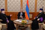 Президент Армении с католикосами