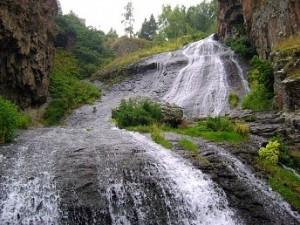 Armeniya-vodopad