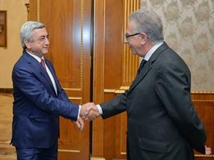 Саргсян и Букиккио