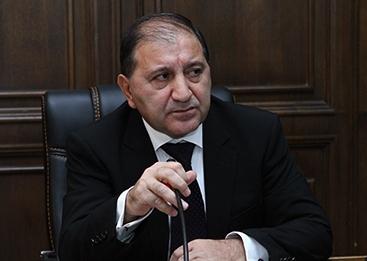 «Айкакан жаманак»: Павел Сафарян пережил десять министров