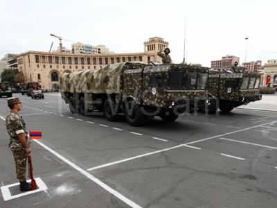 ВАрмении навоенном параде вчесть Независимости показали «Искандеры» и«Смерчи»