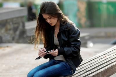 со смартфоном