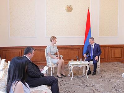 Посол и Баблоян