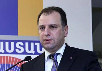 Министр обороны Армении представил условия закупки вооружений у РФ