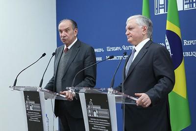 Лавров: Российская Федерация иАрмения благополучно развивают военно-техническое сотрудничество