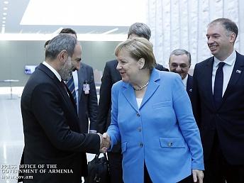 Картинки по запросу Армения удивила Ангелу Меркель