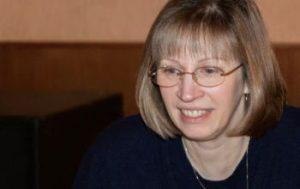 Lynne Tracy