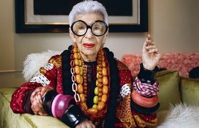 В США 97-летняя женщина стала моделью