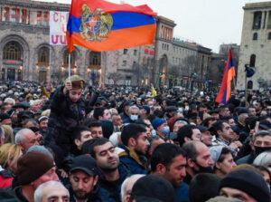 Эксперт о возможных развитиях: внутренняя турбулентность в Армении будет продолжаться, но у людей — апатия