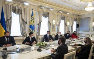 Президент Украины попросил США помочь в деоккупации Крыма