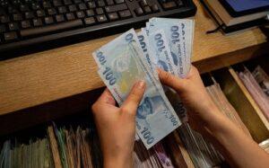 Турецкая лира рекордно подешевела по отношению к доллару
