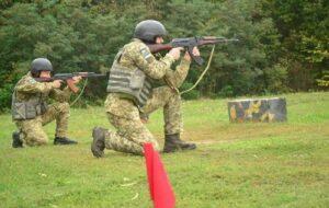 Пограничники возле Сум провели учебные стрельбы
