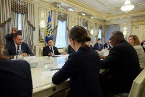 Зеленский и Остин обсудили сотрудничество Украины и США в сфере безопасности и обороны