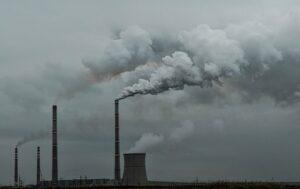 Объем выбросов в атмосферу Украину снизился на 8%